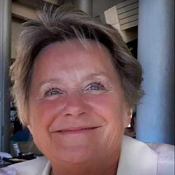 Angelika V.